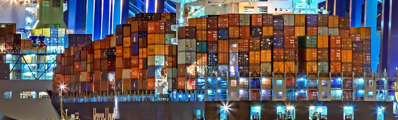 Les navires porte conteneurs