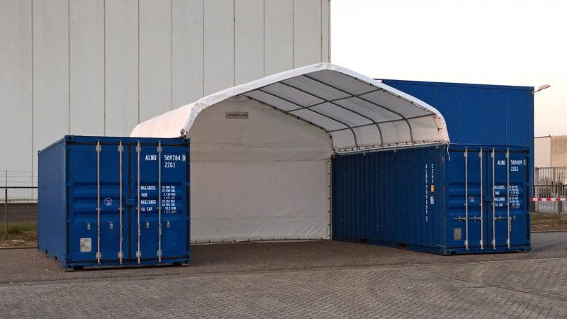 Abri entre container